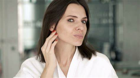 Combating Deep Wrinkles- How to Eliminate Them Successfully?